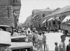 British raid in Machane Yehuda